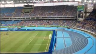 """Música """"Bate o pé"""" do Roberto Leal tocando no Estádio Engenhão - Portugal Canta Brasil"""