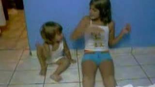 Natasha e Ana em FUI MORAR NUMA CASINHA