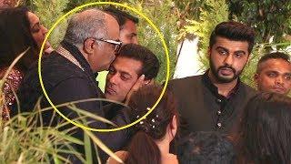 Boney Kapoor Kisses Salman Khan At Sonam Kapoor Reception width=