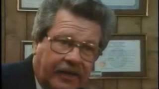 Dallas Cop admits punching unarmed Oswald in eye