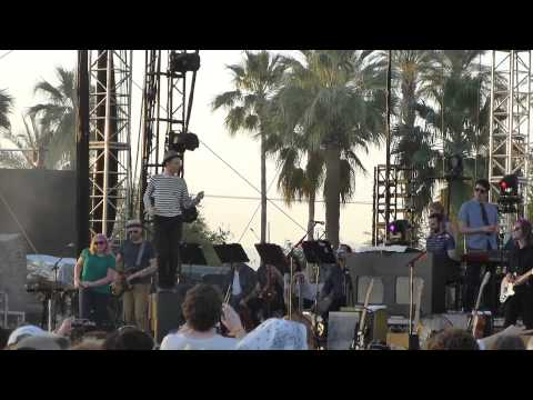 belle-and-sebastian-the-party-line-coachella-indio-ca-4-19-15-brian-james