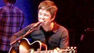 NOEL GALLAGHER - Guitare Shit / Cast No Shadow - Teenage Cancer Trust 26/03/2010
