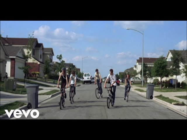 "Video oficial de ""The Suburbs"" de Arcade Fire"