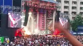 Queen & Adam Lambert - Another one bites the dust
