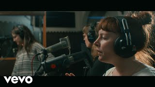 Sylvan Esso - Die Young (Echo Mountain Sessions)