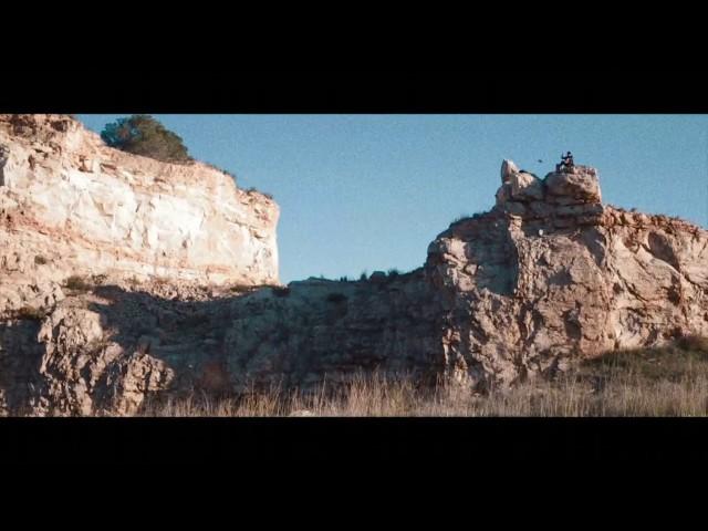 "Vídeo oficial de ""Blau"" de Joe Pask"