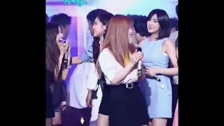 Blackpink's Rosé cute interaction with Apink!