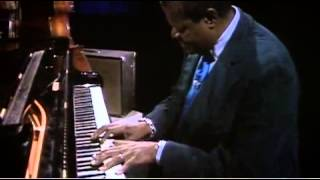 "Oscar Peterson Trio  ""Wave"" (A.C.Jobim)"