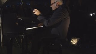 Ludovico Einaudi - 'Song For Gavin' Live Performance
