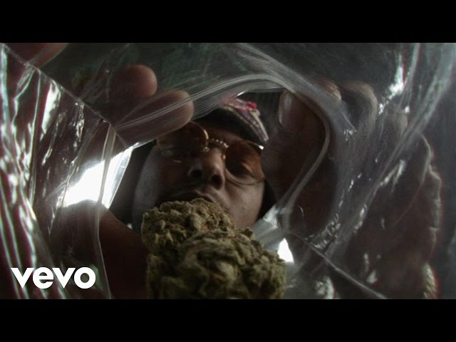 Videoclip oficial de 'Dope Dealer', de Schoolboy Q y E-40.