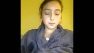 Lily chante petite Émilie