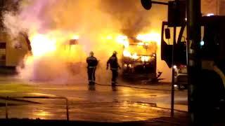 Kiégett egy busz Győrben