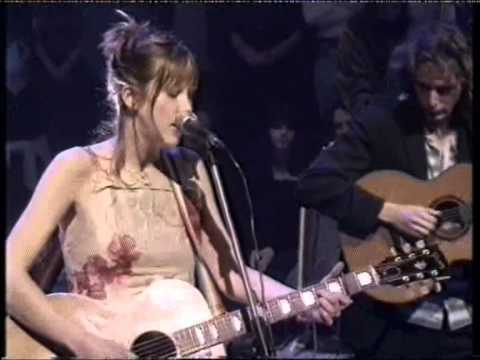 beth-orton-she-cries-your-name-live-thegingeuk