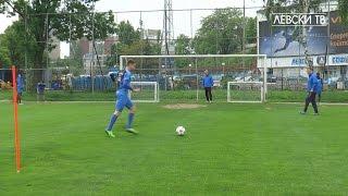 Спринт, две врати в една и удари по тях в Левски