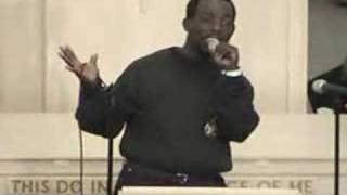 guy singing amazing grace (badly)