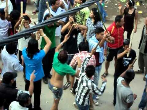 gaijatra festival vid-2 – 2011,bhaktapur,nepal