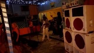 Live Reggae at Alfred's beach bar Negril!
