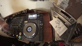DJ SPIN BACK CUT UP MOVE DEMONSTRATION