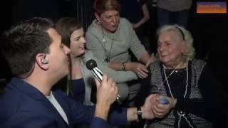 Jan Smit verrast 91-jarige oma tijdens concert