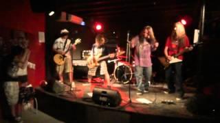 Dead Kiwis - never gonna dance again(george michael cover) Lyon warmaudio 22 juin 2012