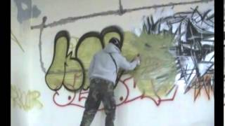 Keys Graffiti Throw Up