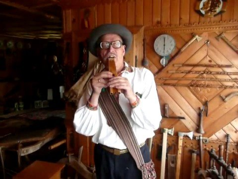 Ukrainian Mountains Music: Roman Kumlyk Plays Dvodentsivka