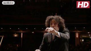 Gustavo Dudamel in Beethoven's Symphony No.9