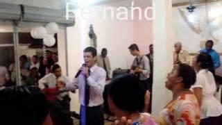 """Ministério Alpha cantando """"O Novo de Deus"""""""