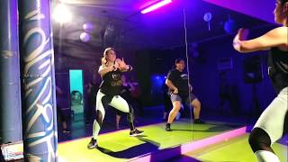 Mueve La Cintura - El Chevo ft Papayo / Ana Liz & Janet ZUMBA