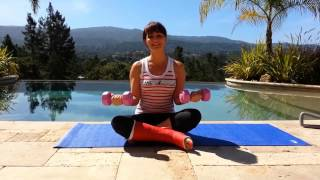[FR] Faire du sport avec un pied dans le plâtre - Biceps toniques avec LeBootCamp