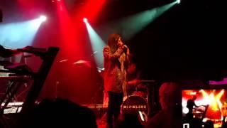 "Phoebe Ryan ""Homie "" live"