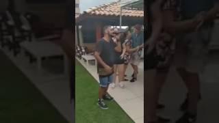 """Marília Mendonça cantando """"Até o sol quis ver"""", do Exaltasamba"""