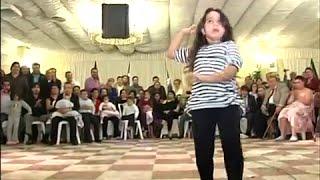 Niña gitana bailando por bulerias UNA FIERA