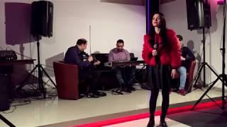 Raluca Burcea - LIVE De cand m-a aflat multimea