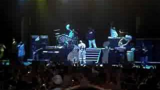 Snoop Dogg - Jump Around/Drop It Like Its Hot (2008 311 Unity Tour 07/12/2008 - St.Louis)