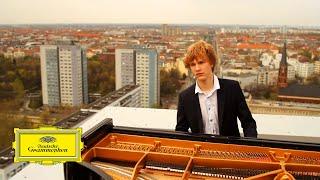 Jan Lisiecki - Mozart - Piano Concerto No. 21, 2. Andante (Official Video)