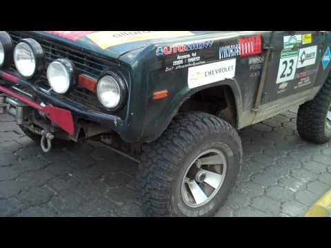 Bronco II in Otavalo