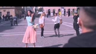MARIE CLAIRE  - RÁM TALÁL A VILÁG