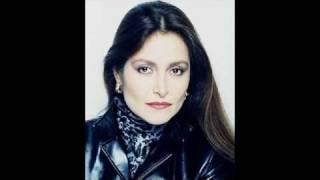 Daniela Romo- Color esperanza