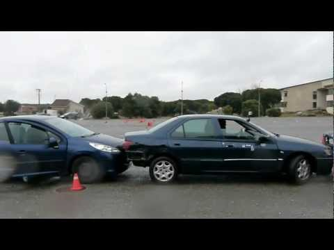 Conducción de seguridad en la Escuela de Policía
