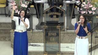 Giselli Cristina canta com sua filha Rafaelli ( Em tua presença )
