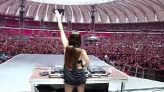 DJ KARINE LARRÉ @ Abertura Show Guns n'Roses Porto Alegre