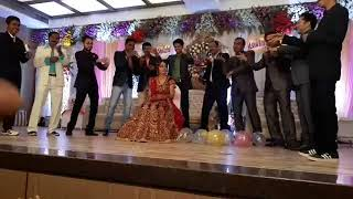 Fulo ka taro ka sabka kehna hai. Surprise dance to Ashu by All cousins...