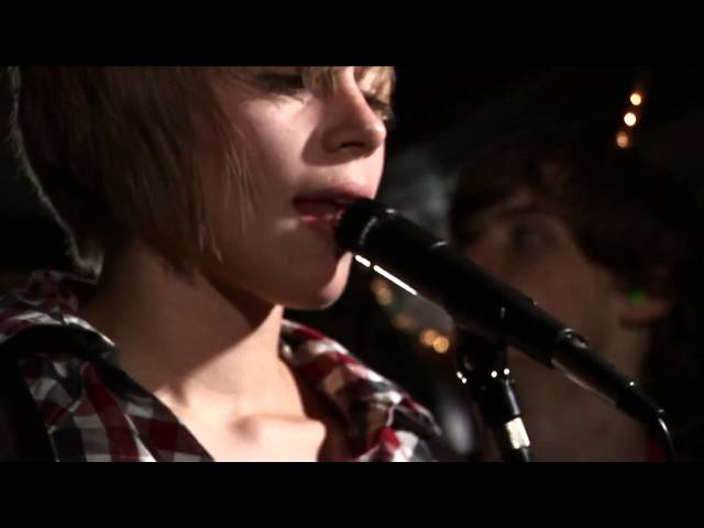 Rolo Tomassi - I Love Turbulence (OFFICIAL VIDEO)
