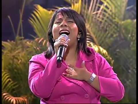 Betsy Garcia en Noches de Gloria Quito Ecuador