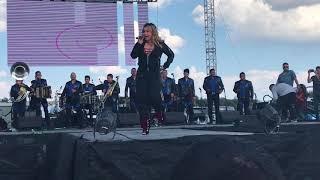 Vida prestada  - Chiquis Rivera Performing Live In Dallas Texas