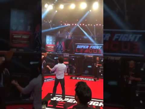 Tiger Shroff showing off his MMA moves in the cage!