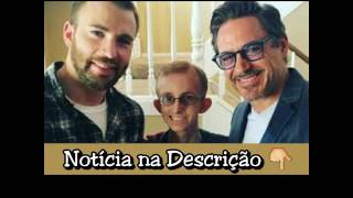 Chris Evans e Robert Downey Jr. visitam fã