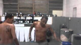 video-2012-03-02-19-38-12.mp4cara de cavalo dançando