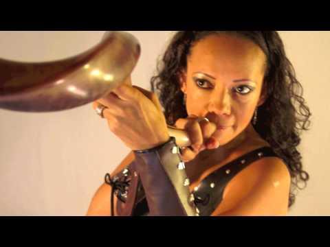 Ten Paz de Diana Mendiola Letra y Video